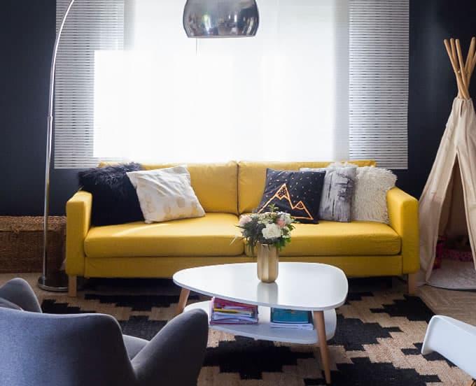 IKEA Karlstad en Shire Mustard de Comfort Works