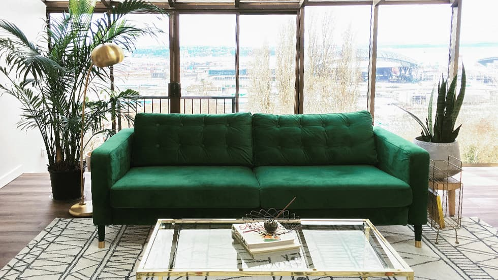 IKEA Karlstad en Rouge Emerald de Comfort Works