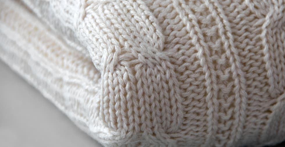 Nunchi Cable Knit Blanket with Fleece Lining