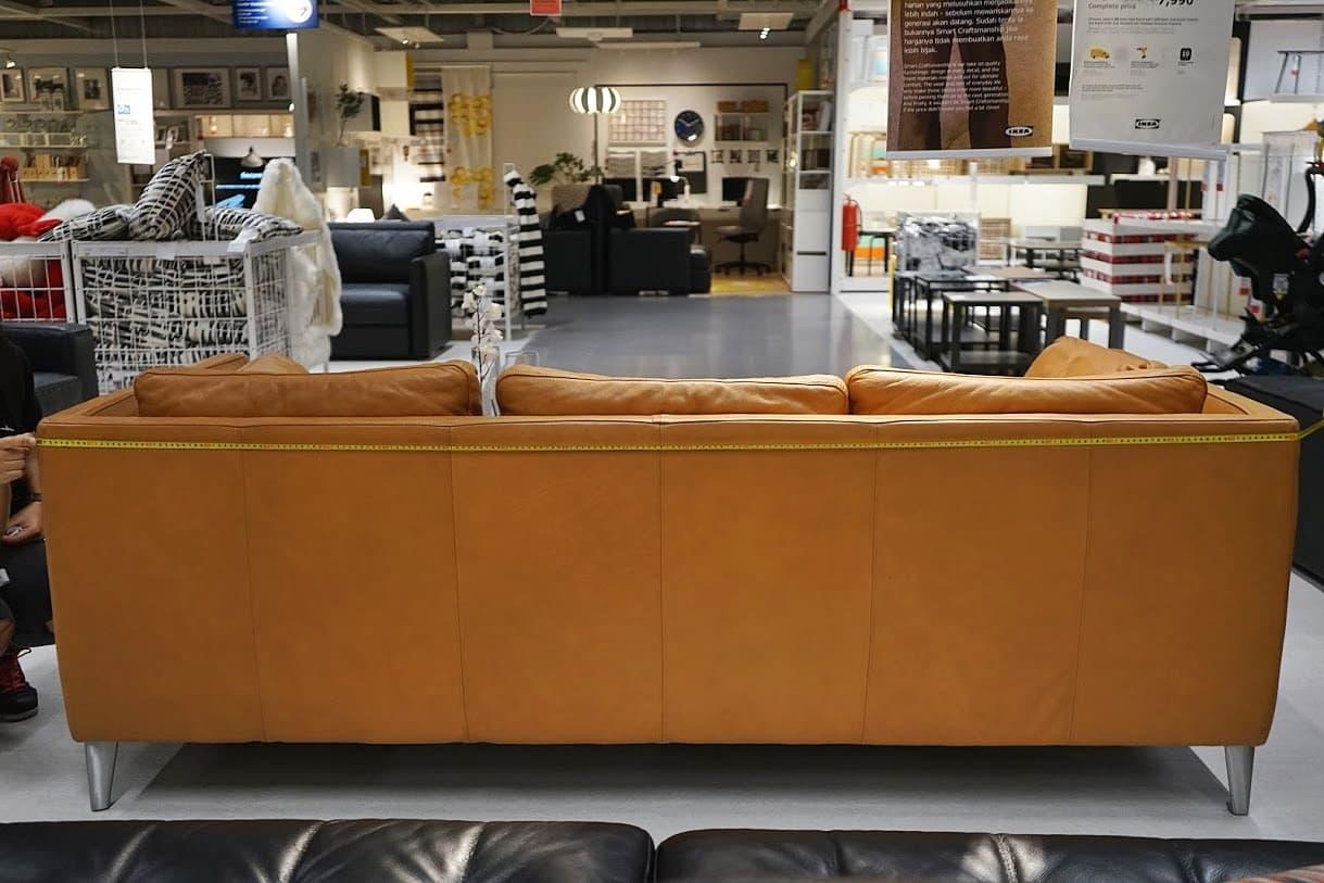 upper sofa back width